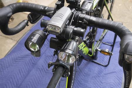 ロードバイクに3連ライト