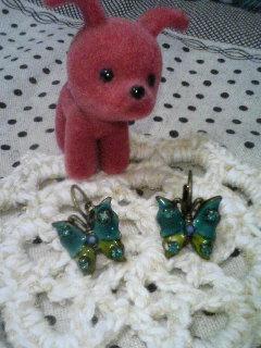 蝶々のピアス