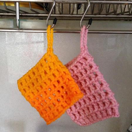 アクリルたわし オレンジとピンク 洗剤いらずで家事時短