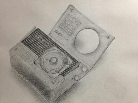 プラスチックラジオ 年代物 革製のケース 鉛筆デッサン