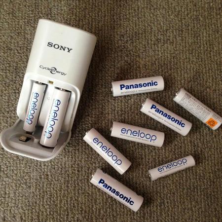 白色充電池 充電器 ホワイト 単三電池 単四電池 eneloop パナソニック