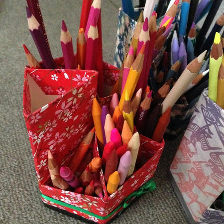 油性色鉛筆 水彩色鉛筆 保管方法 家 自宅 手作りペン立て