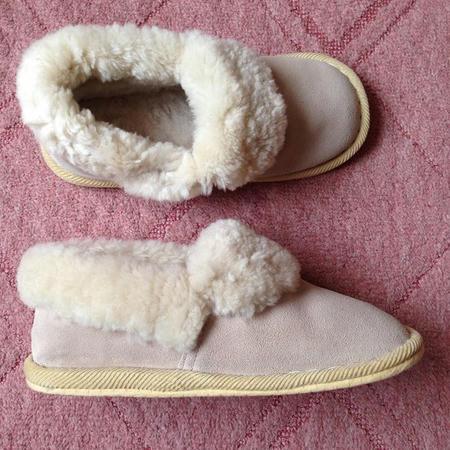 家事の時短:くるぶしまで隠れるもこもこ冬スリッパ ムートン ウール 羊