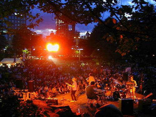 800px-Jozenji_Streetjazz_Festival_in_SENDAI_2.jpg