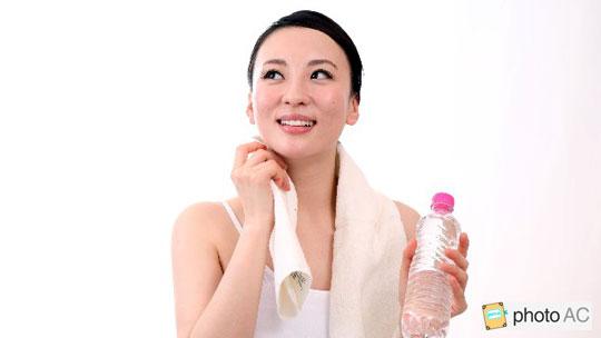 汗っかきは、綿100%の下着を! エアリズムやヒートテックは痒くなる!?