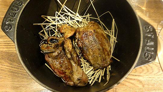 北海道産サルセル(小鴨)のロースト カカオソース