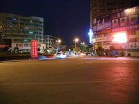 夜の交差点風景