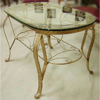 アイアンのセンターテーブル