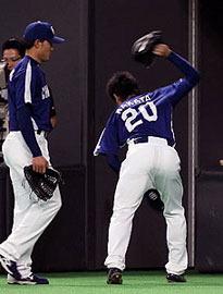 (c)中日スポーツ「中田、137球報われず 竜サヨナラ負け」