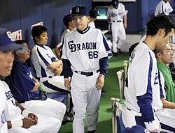 落合竜、打線組み替え実らず連敗…虎と今季最大5・5ゲーム差:サンスポ