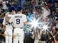 井上と英智、同時スタメン3連勝 2人で4打点!!:中スポ