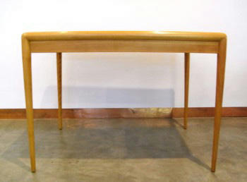 WIddicomb Table