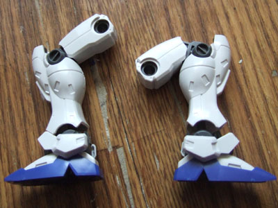 右の脚が改造済。ヘタれにくい構造に強化するのが課題。