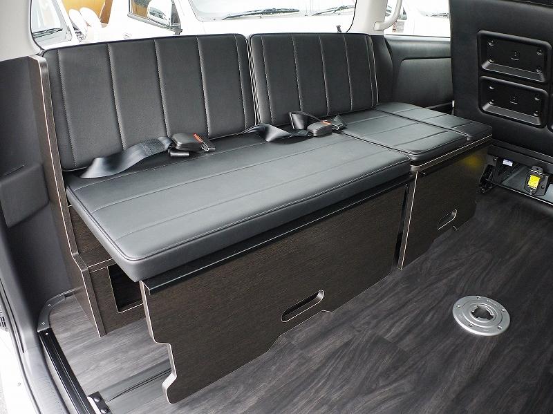 ハイエースベッドキット 内装カスタム 横乗りシート