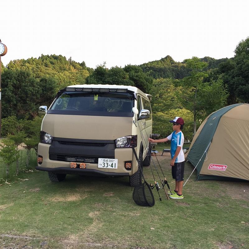 ハイエース キャンプ 家族旅行