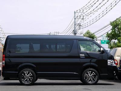 新車 ハイエース4WD 四駆 カスタムコンプリート