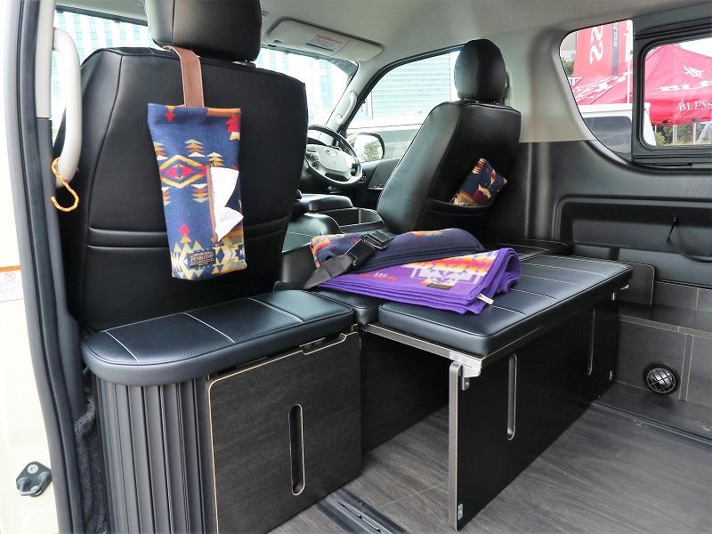 ハイエース内装カスタム 新規格 後ろ向きシート FD-BOX