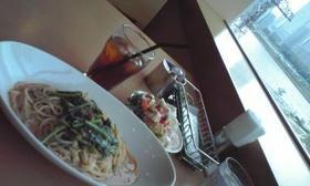 ホウレンソウとひき肉のトマトクリーム
