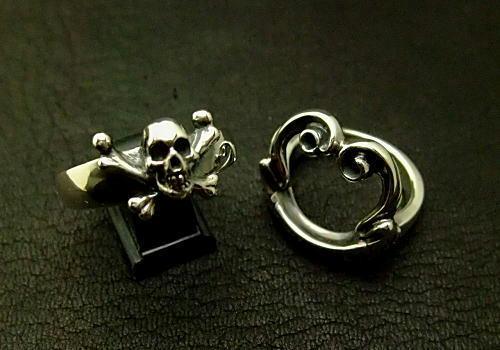 右側がオプションのリングです。