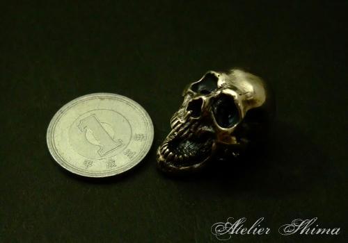 1円玉との比較です。