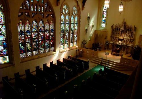 厳粛な雰囲気が漂う大聖堂