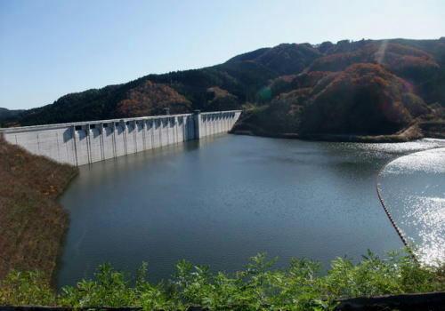 茨城県高萩市にある小山ダム。紅葉も綺麗でした。