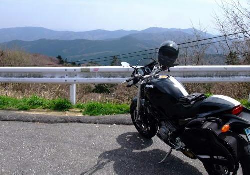 筑波山の風帰し峠・・・景色は綺麗です。