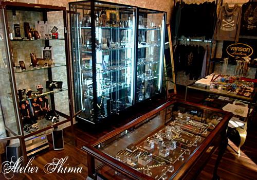 ハイセンスなセレクトが並ぶ店内は、王道でいて新鮮なカルチャーに満ち溢れています。
