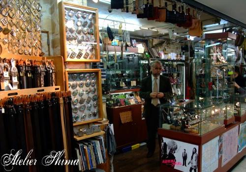 上野の老舗レザーショップ革のアルバカーキ様にてコンチョをお取扱頂く事になりました。