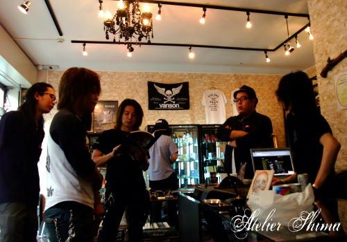 Atelier Shimaの商品をお取扱い頂いております「BLACK BARTS」様にて打ち合わせです。