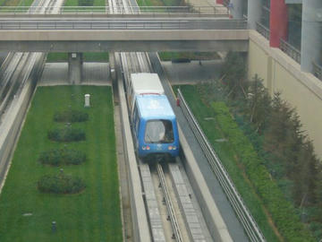 北京空港内無料列車
