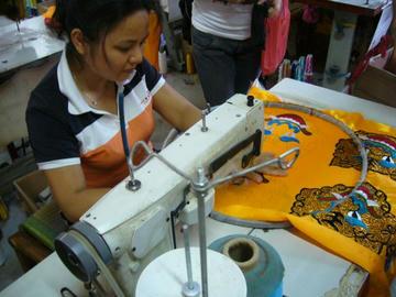ミシンで刺繍作り