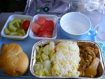 CA1810便機内食