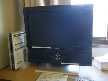 ユニデンの地デジテレビ19型