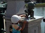 コナン大橋の銅像