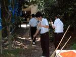御井社の参道を中心に清掃作業