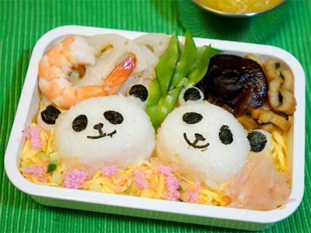 パンダのちらし寿司キャラ弁当