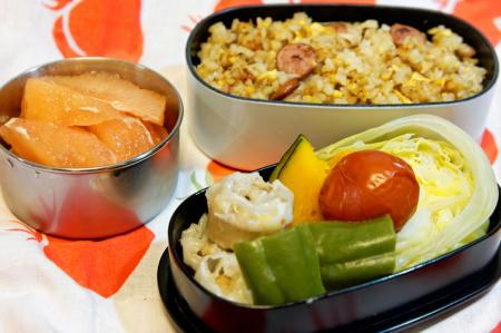炒飯と蒸し野菜とシューマイ