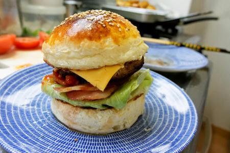 ベーコンチーズハンバーガー圧縮