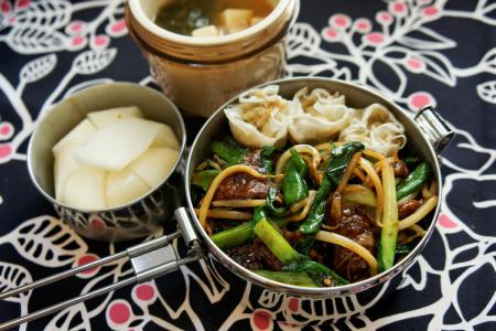 レバニラ炒め定食弁当シューマイ梨味噌汁