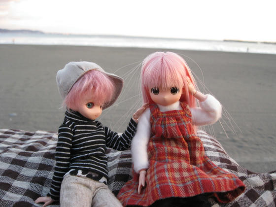 アニーソン(左)とエレンディア(右)