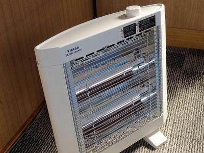 YUASA 電気ストーブ YA-D801R全体