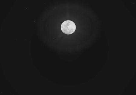 moon_mono