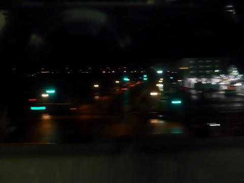 宗谷本線から見下ろす深夜の新成橋通