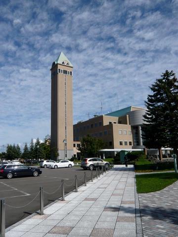 美瑛町役場・四季の塔