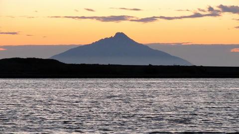 天塩港から見る利尻富士