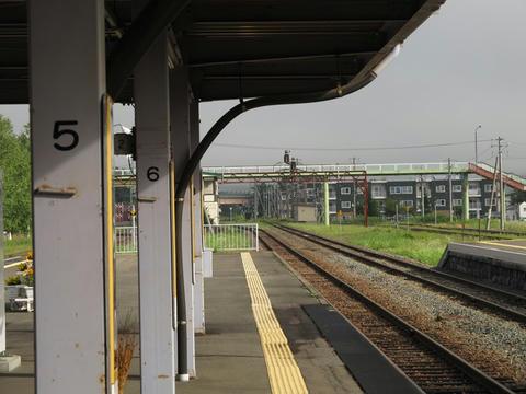 富良野駅より旭川方を望む
