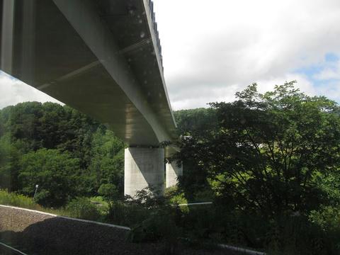石勝線から道東道を望む@清風山信号場