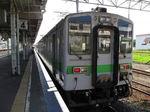キハ143-101@苫小牧駅