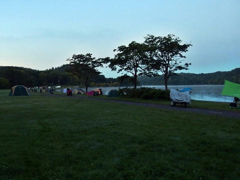 朝の呼人浦キャンプ場